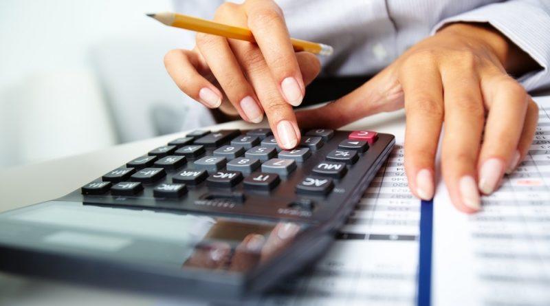 Medidas extremas para reducir tus gastos a la mitad y pagar tus deudas más rápido