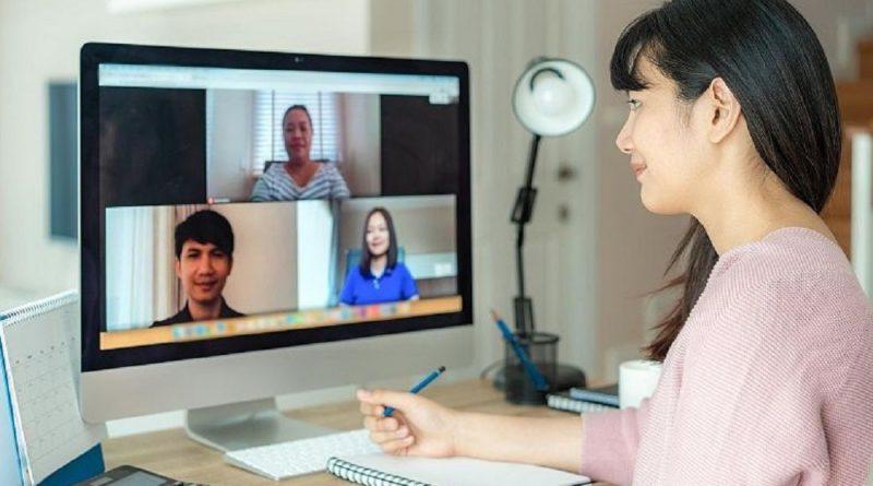 Cómo preparar una entrevista de trabajo en línea con éxito